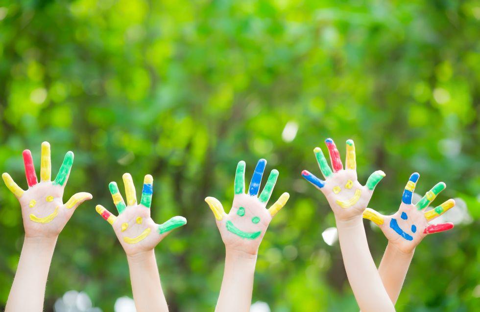 Les enfants aux mains symétriques seraient plus intelligents que les autres