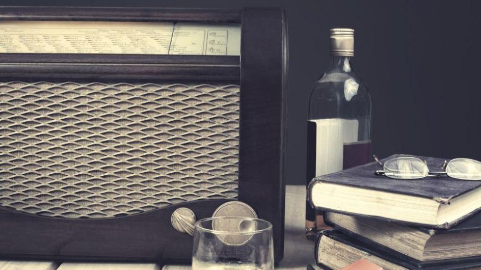 Vintage high-tech: quando la tecnologia si ispira al design retro, dalla tanto amata radio a cubo alla fotocamera vecchio stile