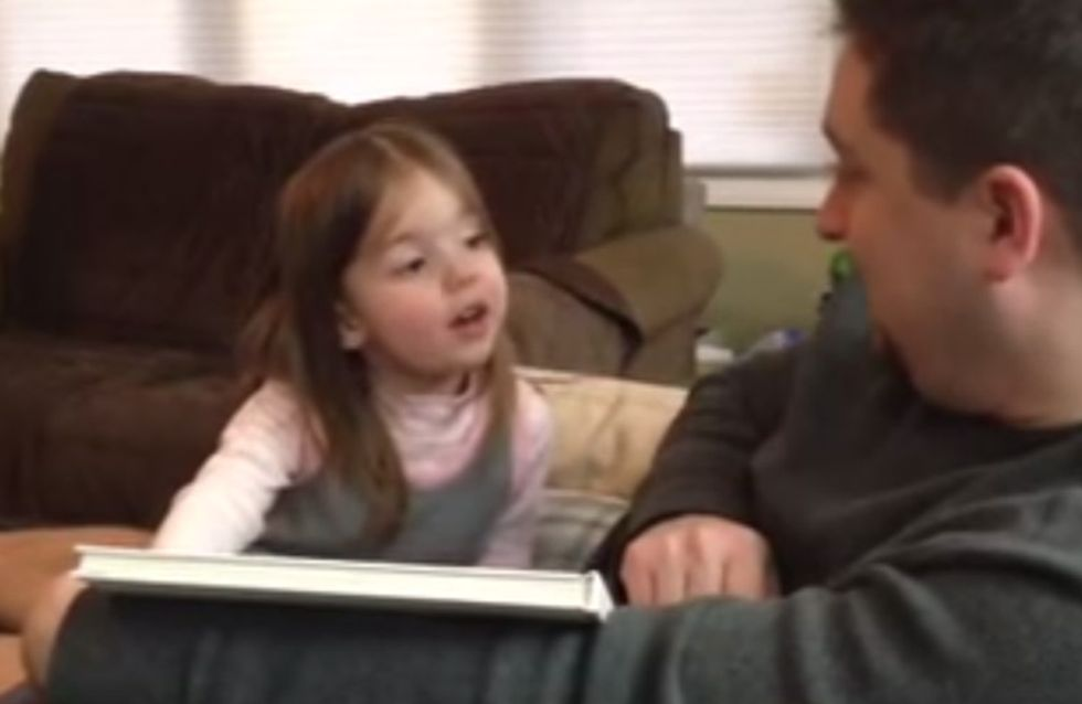 So witzig reagiert ein kleines Mädchen auf große Neuigkeiten