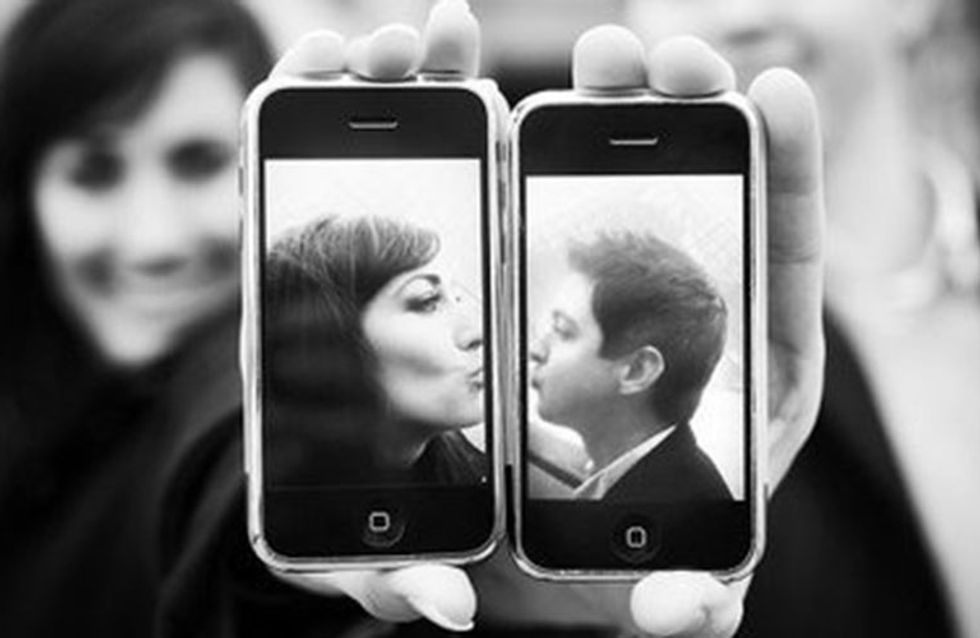 10 Ways Your Mobile Is Getting In The Way Of Your Sex Life