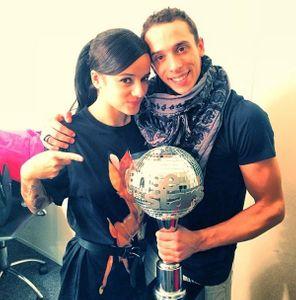 Alizée et Grégoire Lyonnet avec leur trophée