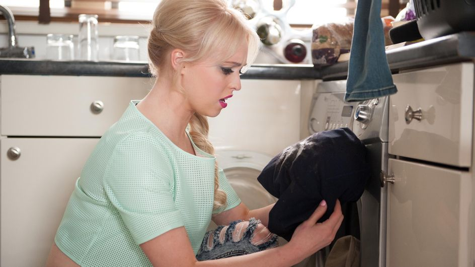 Hollyoaks 06/04 - Theresa makes a shocking discovery while doing a good turn