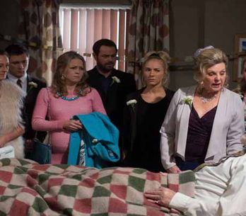 Eastenders 09/04 - The Carters prepare for Stan and Cora's impromptu wedding