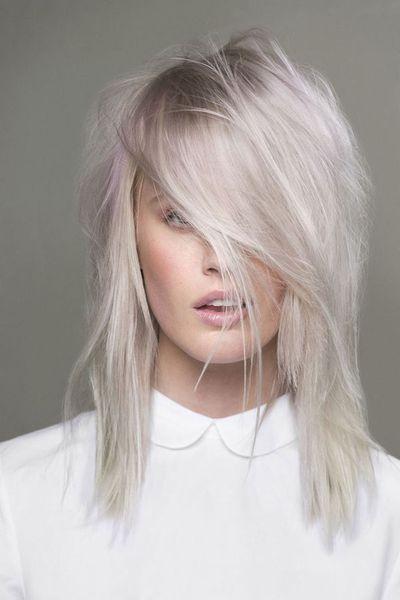 les cheveux blonds les cheveux gris