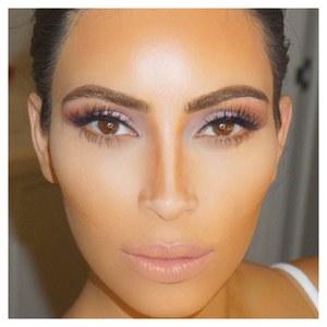 Kim Kardashian et son contouring