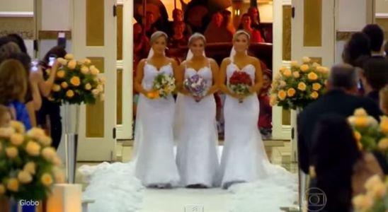 Ces triplées se sont mariées en même temps