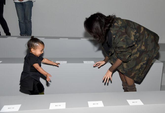 North West et Kim Kardashian au défilé de Kanye West.