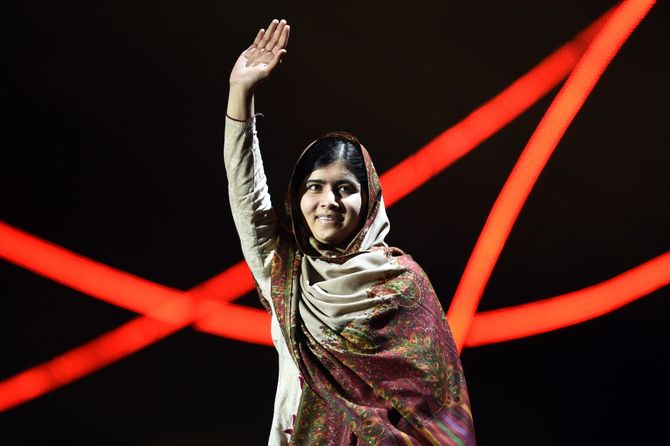 Malala Yousafzai après un discours.
