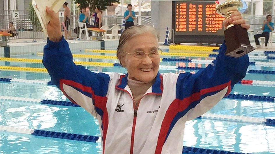 A 100 ans, cette Japonaise bat un record du monde en natation