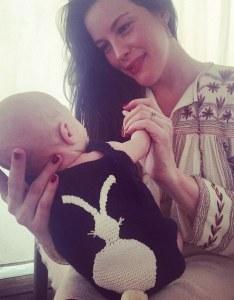 Liv Tyler et son fils Sailor pour Pâques