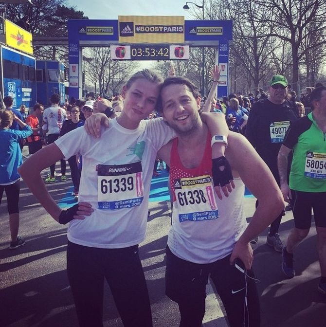 Karlie Kloss au marathon de Paris