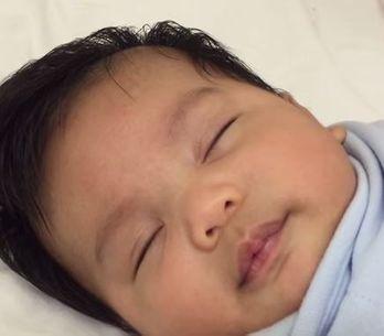 Cette vidéo prouve qu'endormir son bébé en moins d'une minute est possible