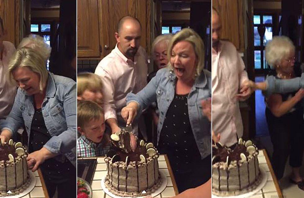 Diese Mutter von sechs Jungs erfährt, dass sie ein Mädchen bekommt - und flippt völlig aus!