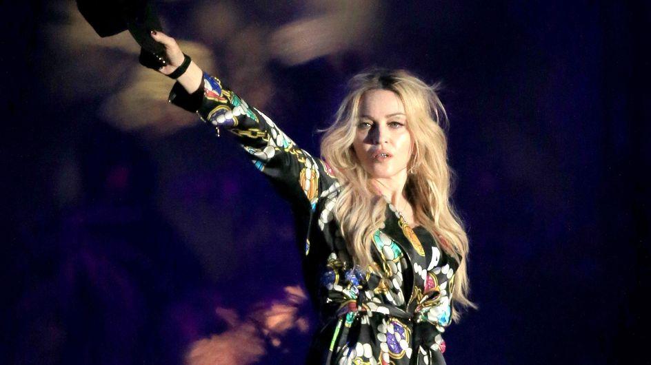 Quand Madonna embrasse langoureusement Drake sur scène au Festival Coachella (Vidéo)