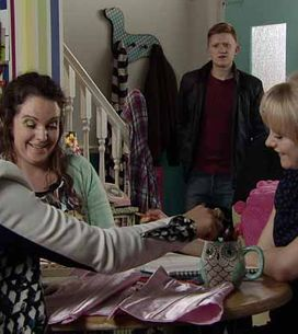 Coronation Street 29/04 - Nick uncovers Sarah and Callum's secret