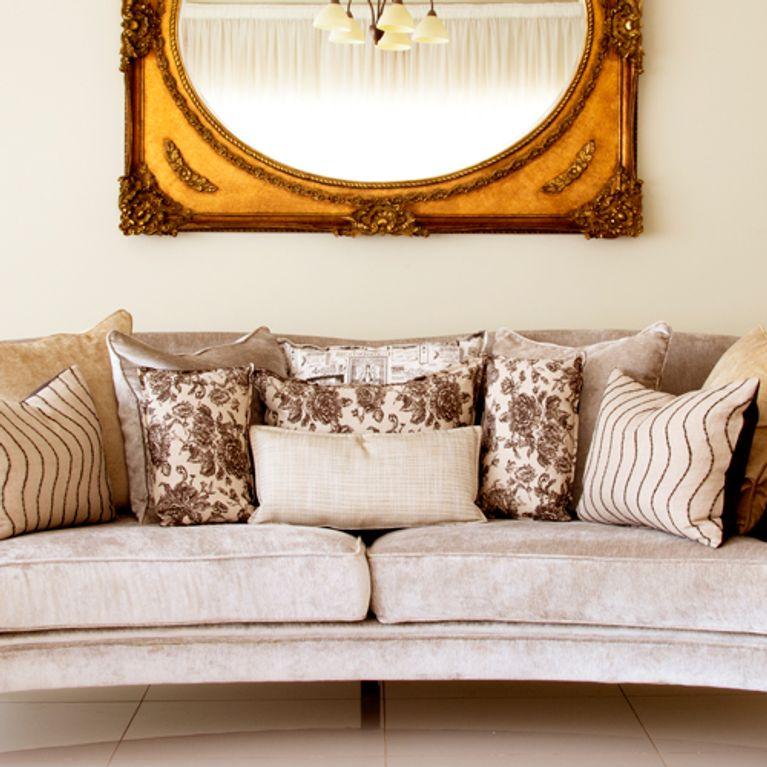 C mo sacar partido a tu sof a trav s de los cojines - Cojines para el sofa ...