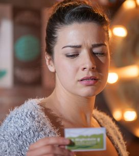 Hollyoaks 28/04 - Lindsey is haunted by reminders of her childhood