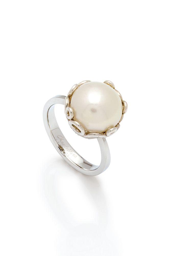 Perlen-Ring, 350 €