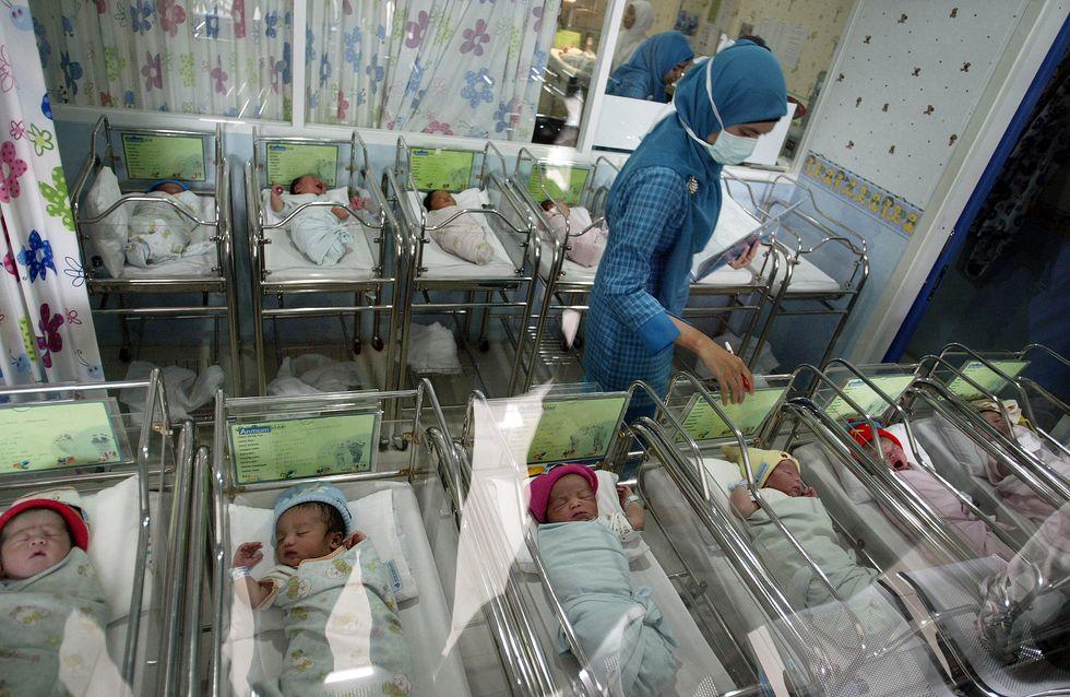 """L'OMS dénonce une """"épidémie"""" de césariennes"""