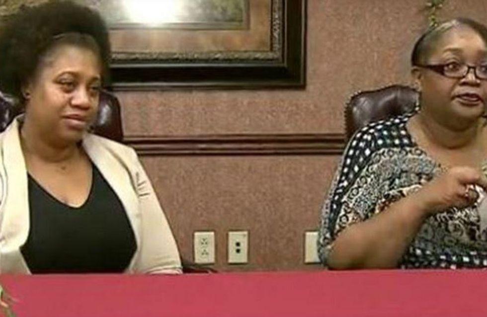 Elle découvre que sa maman est en fait... sa collègue (Vidéo)