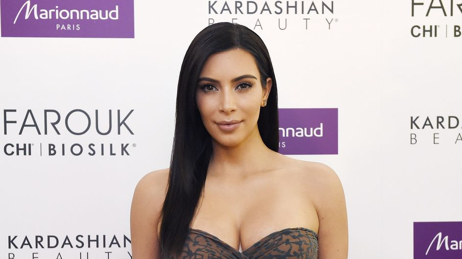 Kim Kardashian célèbre Dame Nature en bikini (Photo)