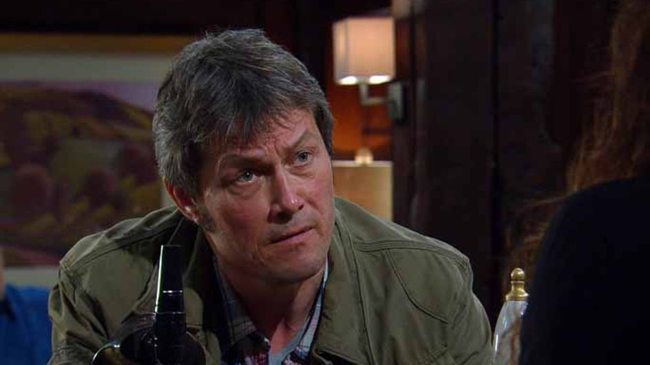 Emmerdale 08/05 - Laurel's situation causes her father to breakdown in tears