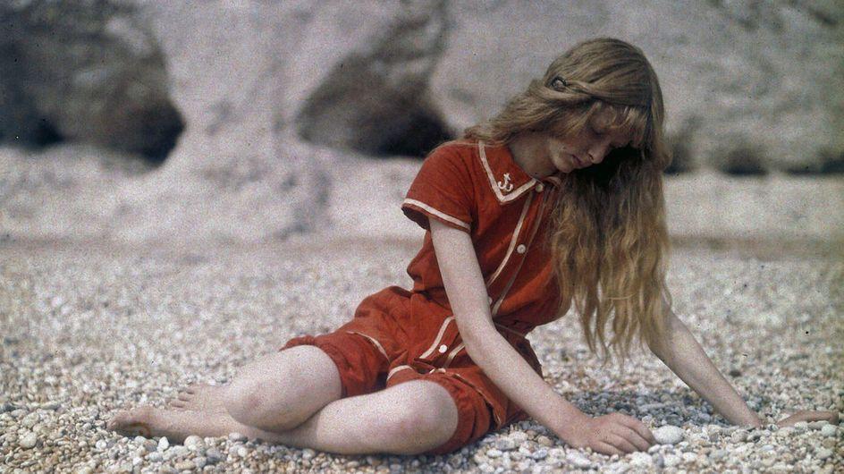 Christina in Red: la série photo sublime d'une jeune fille en 1913