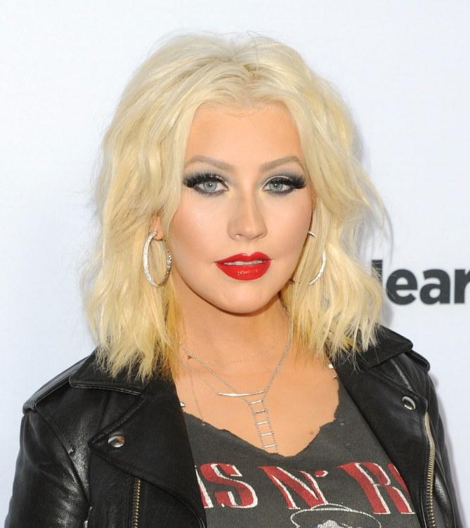 Christina Aguilera con il caschetto alle spalle