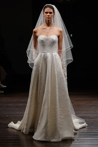 Naeem Khan sposa primavera estate 2016