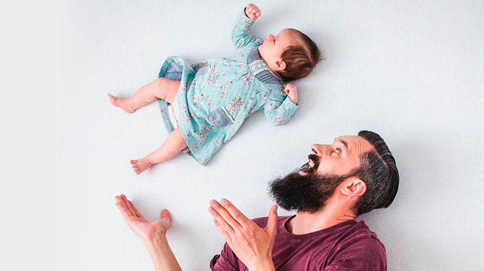 Un papá lanza por los aires a su hija recién nacida