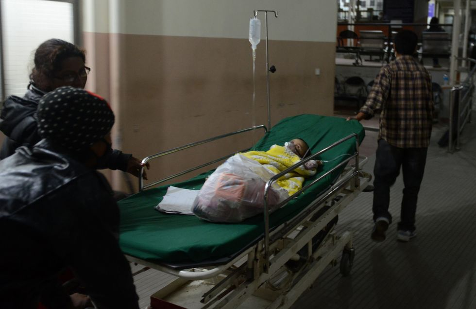 Un bébé survivant du séisme au Népal émeut la Toile (Photo)