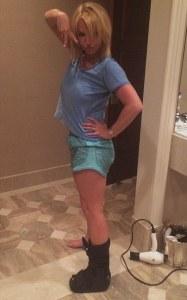 Britney Spears et son attelle