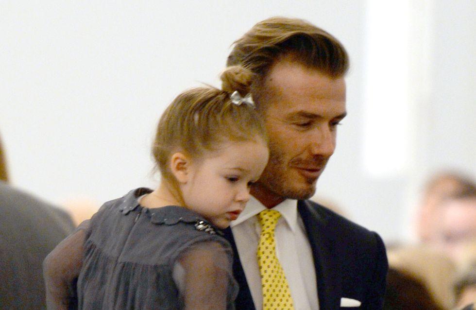 Harper Beckham joue les coiffeuses avec son papa David (Photo)