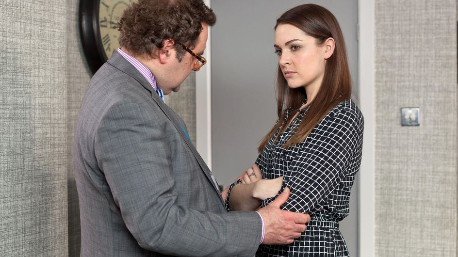 Hollyoaks 11/05 - Dr S'Avage visits Sienna