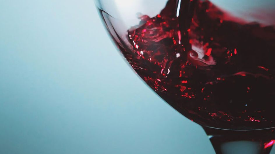 Uma taça de vinho poderia trazer os mesmos benefícios de uma hora de exercício. Oi?