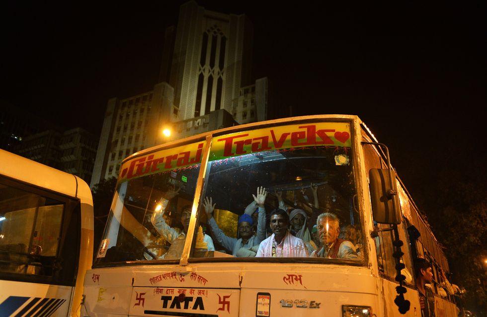 En Inde, une adolescente décède après avoir été violée avec sa mère dans un bus