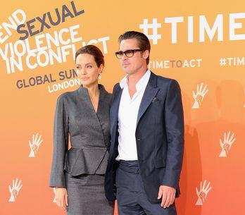 Angelina Jolie en pleurs sur l'épaule de Brad Pitt (Photo)