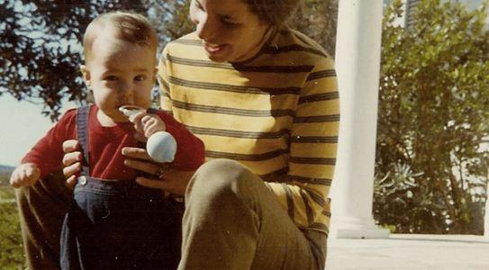Il piccolo Jeff con la madre