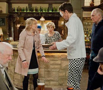 Emmerdale 20/05 - Laurel stoops low to get a drink