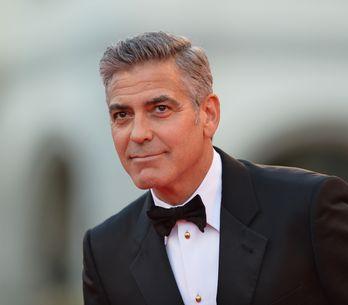 Der Clooney-Effekt: 8 Gründe, warum jede Frau mal einen älteren Mann daten sollt