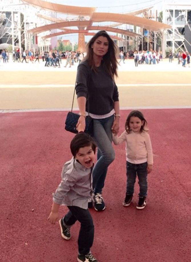Le foto di Claudia con i due figli
