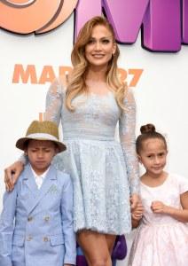 Jennifer Lopez avec ses enfants Max et Emme