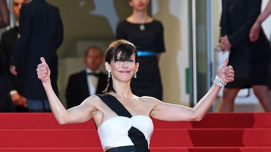 Festival de Cannes 2015 : Sophie Marceau monte désormais les marches en pantalon ! (Photos)