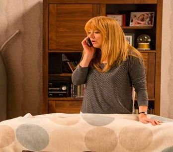 Coronation Street 25/05 - Tracy drops her bombshell on Liz