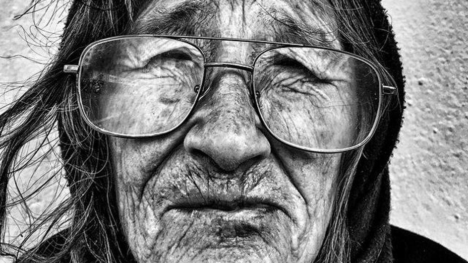 Cet homme dénonce la situation des sans-abris avec des photographies poignantes