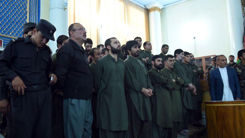 11 policiers afghans condamnés pour ne pas avoir aidé une femme victime de lynchage