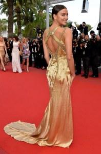 Irina Shayk sexy sur le red carpet du Festival de Cannes