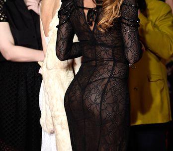 Une nouvelle robe (très, très) transparente affole la Croisette (Photos)
