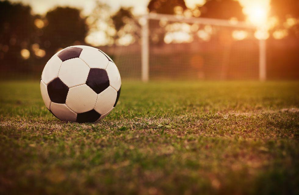Schwalben, Blutgrätschen & Bananenflanken: Das kleine Fußball-ABC für alle, die mitreden wollen