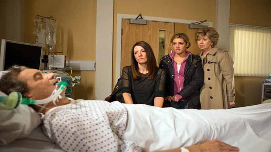Emmerdale 3/06 - Ashley is in a coma whilst Victoria panics